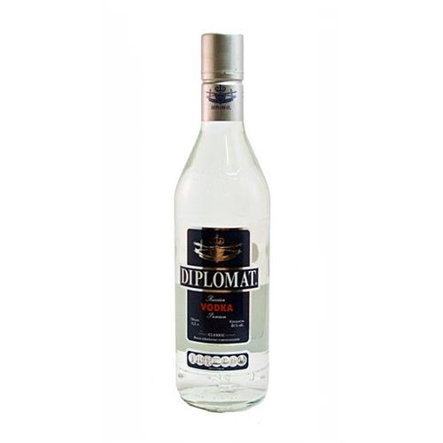 Diplomat Vodka 40% 50cl Image 1